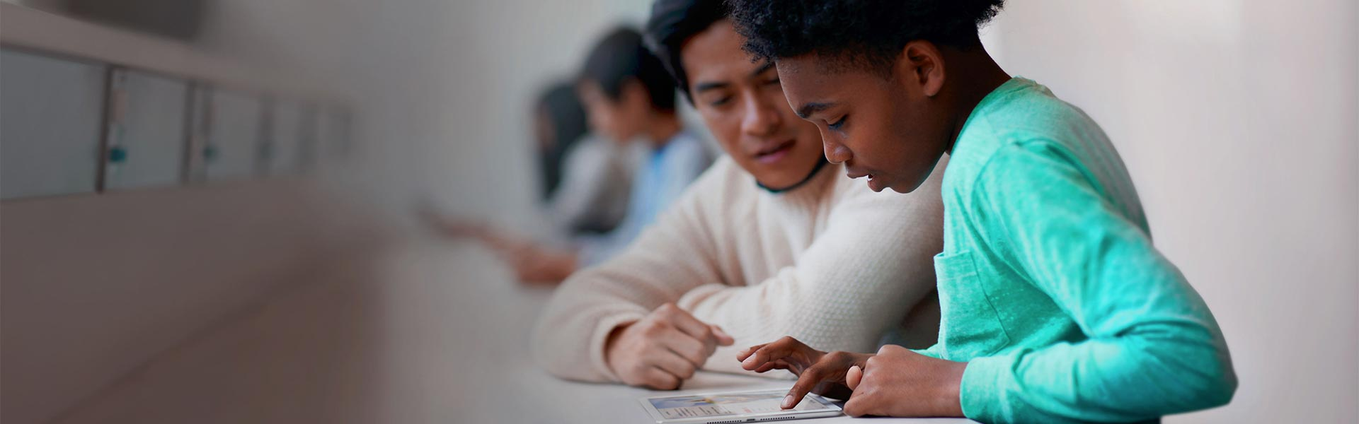 QGENIUS 青少年编程俱乐部 – 环球培训,苹果授权培训中心